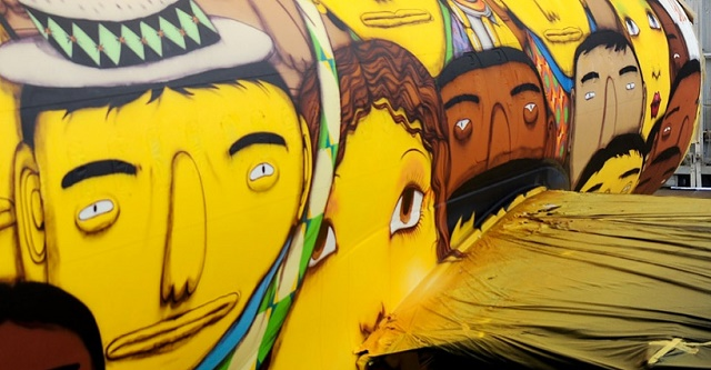 os-gemeos-graffiti-the-brazilian-national-teams-world-cup-plane-designboom-02