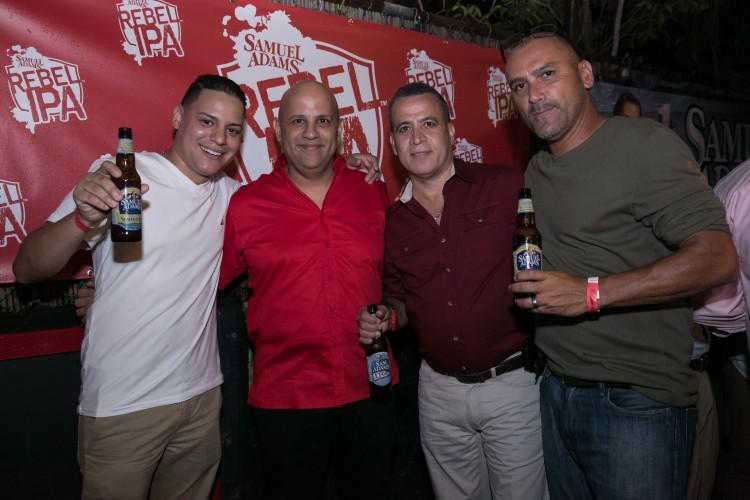 Joseph Rodríguez, Edgar Ríos, Sifo Blanco, y Juan Carlos González del restaurante Roca Dura